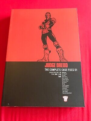 Judge Dredd The Complete Case Files 01 2000ad Graphic Novel Comic