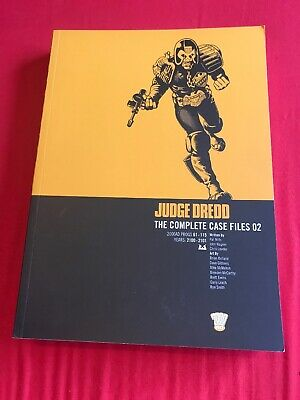 Judge Dredd The Complete Case Files 02 2000ad Graphic Novel Comic