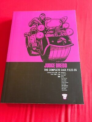Judge Dredd The Complete Case Files 05 2000ad Graphic Novel Comic