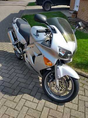 Honda VFR800 FI - 2001 - Summer ready