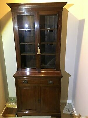Antique Victorian Mahogany Bookcase in very good condition