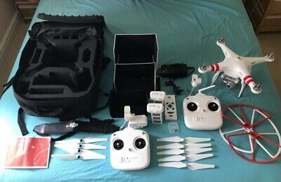 DJI Phantom 2 Vision + with Case, Extra Gimbal Controller and Battery. Excellent