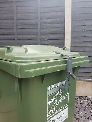 Wheelie Bin Lock NO TOOLS NEEDED EASY TO FIT inc Padlock STOP IDENTITY THEFT