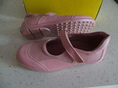 a66173e7327ae CHAUSSURES SANDALES FILLE petits petons taille 34 NEUVES - EUR 8
