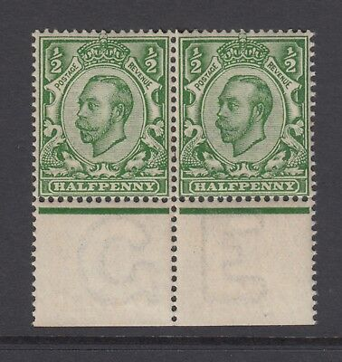Pair of GB KGV 1/2d Green SG339 George V Mint Hinged Downey Stamps with Margins