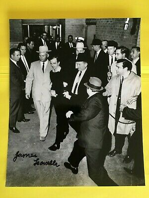 JAMES LEAVELLE > SIGNED  8x10 photo  Detective Cuffed To LEE HARVEY OSWALD  >JFK