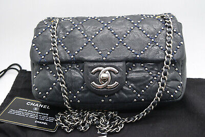 63fe01839a11 CHANEL STATEMENT FLAP Bag Chevron Calfskin Small - $3,620.00 | PicClick