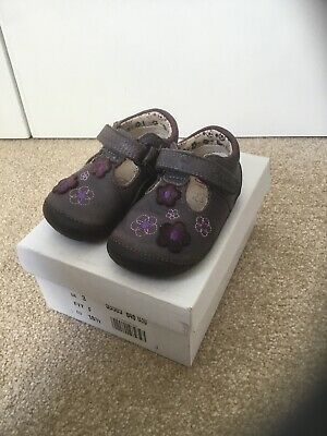 824a3fdd4 CLARKS GIRLS SHOES Softly Lou First Pink Leather Size UK 7 G - BNIB ...
