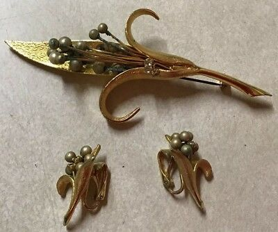 Vintage Brooch And Earrings Gold Gold Tone Flower Faux Pearls Rhinestone Large