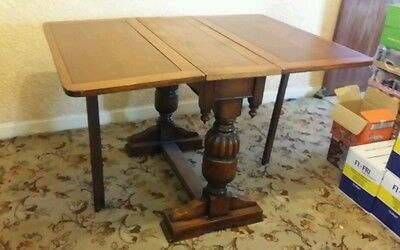19th/20th century very hard wood great crafted dinner table can also pick up in