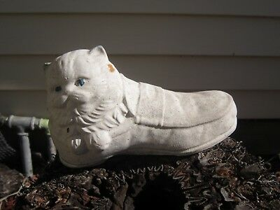 Vintage Concrete Cute Pussy Cat In A Shoe Garden Statue,Natural Patena