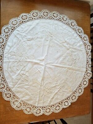 """Beautiful Vintage Arts & Crafts Style Table Topper~Hand Embroidered ~Round~39"""" D"""