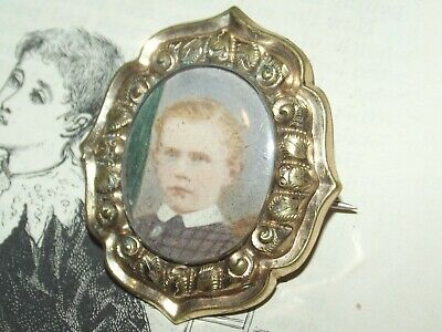 ANTIQUE GEORGIAN to VICTORIAN ERA YOUNG BOY BROOCH Old C Clasp Pin (J249)
