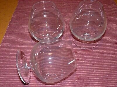 Lot de 3 beaux verres à cognac en cristal no Baccarat / 3 crystal brandy glasses
