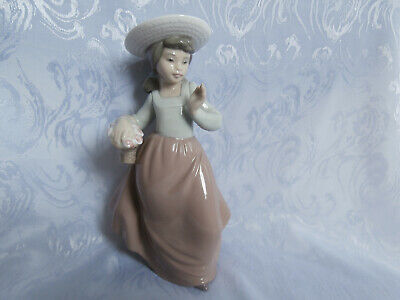 Nao By Lladro Young Girl In A Hat With Pretty Flower Basket Glazed Figurine Rare