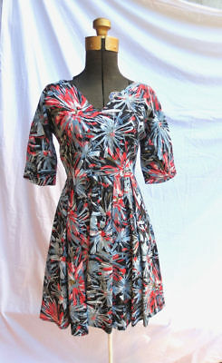 1950s DRESS Hand Painted Dark Floral Full Skirt Rockabilly Vintage Fashionista