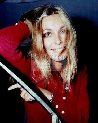 Actress Sharon Tate - 8X10 Publicity Photo (Rt988)