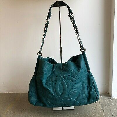 aaea9b0eac0b66 CHANEL CC 2011 Blue Turquoise Sea Hit Tote Quilted Iridescent Calfskin Purse