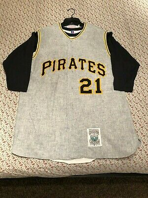 online store 3aa3e 2c504 ROBERTO CLEMENTE MITCHELL & Ness Cooperstown Collection Wool Jersey