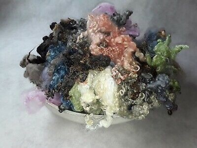 250g, 500g or 1kg of Hand Dyed Wool Locks/Fleece,Mixed Colours,Felting, Spinning