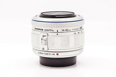 Olympus Zuiko Digital 14-42mm F/3.5-5.6 ED Silver Lens for M3/4 Body - AAH359073