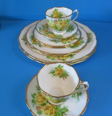 Royal Albert Yellow Tea Rose 10 Pieces 2 - 5 Piece Place Settings Excellent Cond