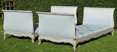 Beautiful Pair of Painted French Single Beds Day Beds with Platform Bases