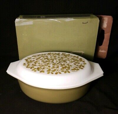 Vintage Pyrex Verde Green Olive Casserole Dish With Lid IN BOX 2 1/2 Qt 045