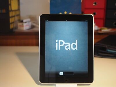 Apple iPad 64gb (wi-fi cellular) 1st generation with case and extra accessories