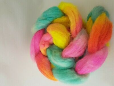 Hand dyed BFL roving, wool top, 100 g, SUNGLASSES ARE NEEDED