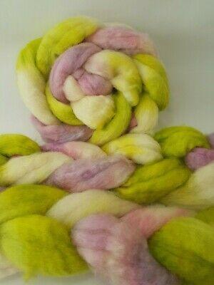Hand dyed BFL roving, wool top, 100 g, SPRINGLY