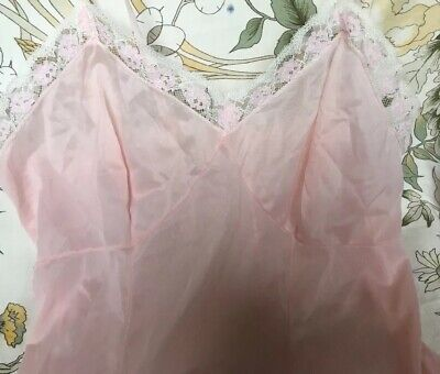 Pretty, Vintage Petticoat. Pink. Chest 32 Inches
