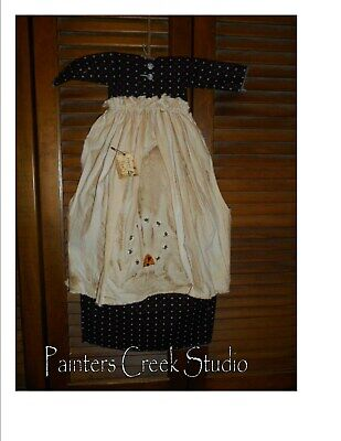 Primitive Wall Decor Dress BLACK CALICO W/ APRON, hONEY bEE, SKEP,Country,Grungy