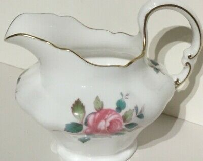 Perfect Spode Billingsley Rose Spray decorated bone china jug with gilded rim