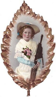 VICTORIAN DIE CUT TRADE CARD GERMAN DRESDEN CHILD IN GOLD LEAVES LARGE  7 1/2in