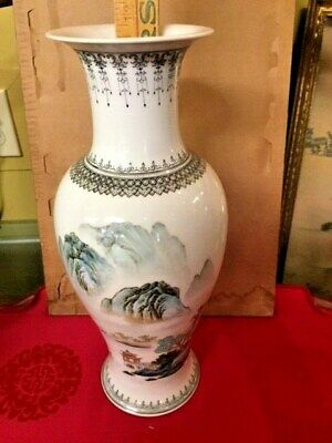 Asian Antiques, Porcelain, Vases, Cultural Period, Mountains, post 1940, China