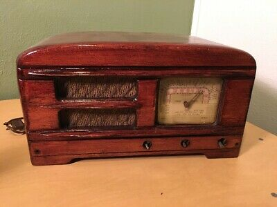 Vintage WW2 Era PACKARD BELL AM TUBE RADIO WOOD CABINET