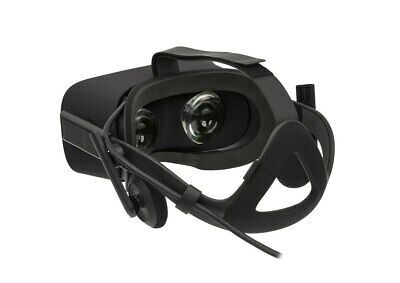 Oculus Rift VR Headset, two sensors, two touch controllers