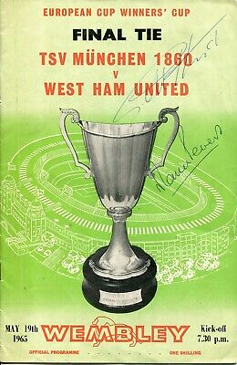 1965 West Ham v TSV Munchen Cup Final programme signed by Hurst & Martin Peters