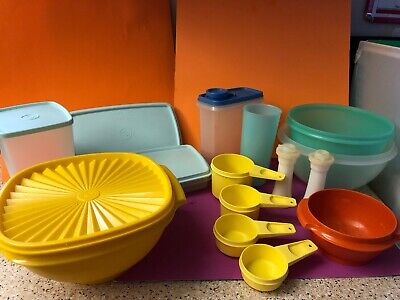 Vintage Tupperware Measuring Cups Yellow Bowl Pastel Green Blue Cup Mini S&P Lot