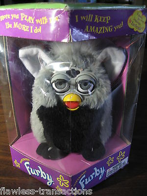 Original First Edition Tiger Electronics Furby Modell 70-800 Neu
