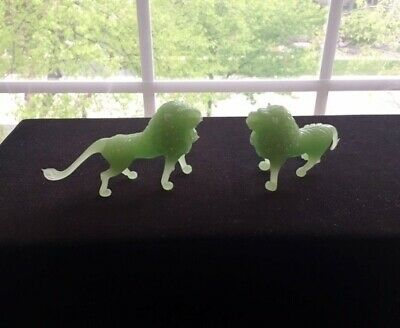Vintage JADE GREEN GLASS Pair of Regal LION Figurines Asian Great Detail