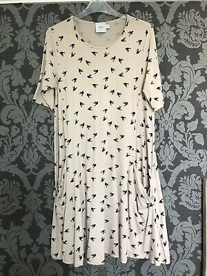 Asos Maternity Beige and Black Size 12 Elbow Length Sleeve