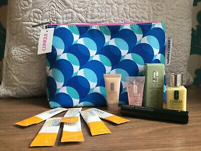 NEW Clinique Skincare Gift Set Mini Travel Size and Make-up Bag