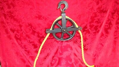 """Antique 8"""" Cast Iron Metal Water Well Hand Pulley Wheel W.B Co"""