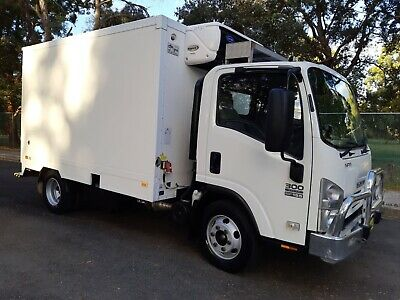 2009 ISUZU NPR 300 REFRIGERATED FREEZER TRUCK.......-18c........STAND-BY UNIT