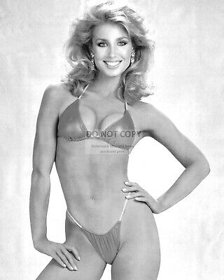 Actress Heather Thomas Pin Up - 8X10 Publicity Photo (Yw017)