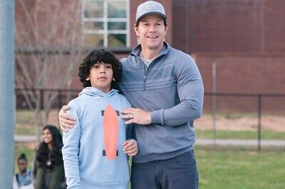 "Mark Wahlberg and Gustavo Quiroz UNSIGNED 6"" x 4"" photo - N4876 - Instant Family"