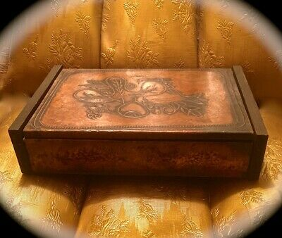 Arts & Crafts Style Hand-Hammered Copper & Wood 8 5/8 Inch Red Felt Lined Box