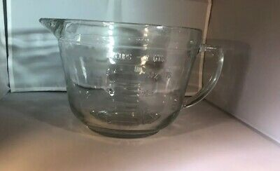 Large Anchor Hocking  8 cup Measuring  Batter Bowl with Handle Great Condition